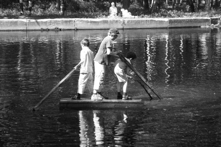 На маленьком плоту в 1976-м